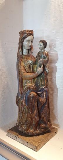 Vierge à l'enfant trônant – bois polychrome