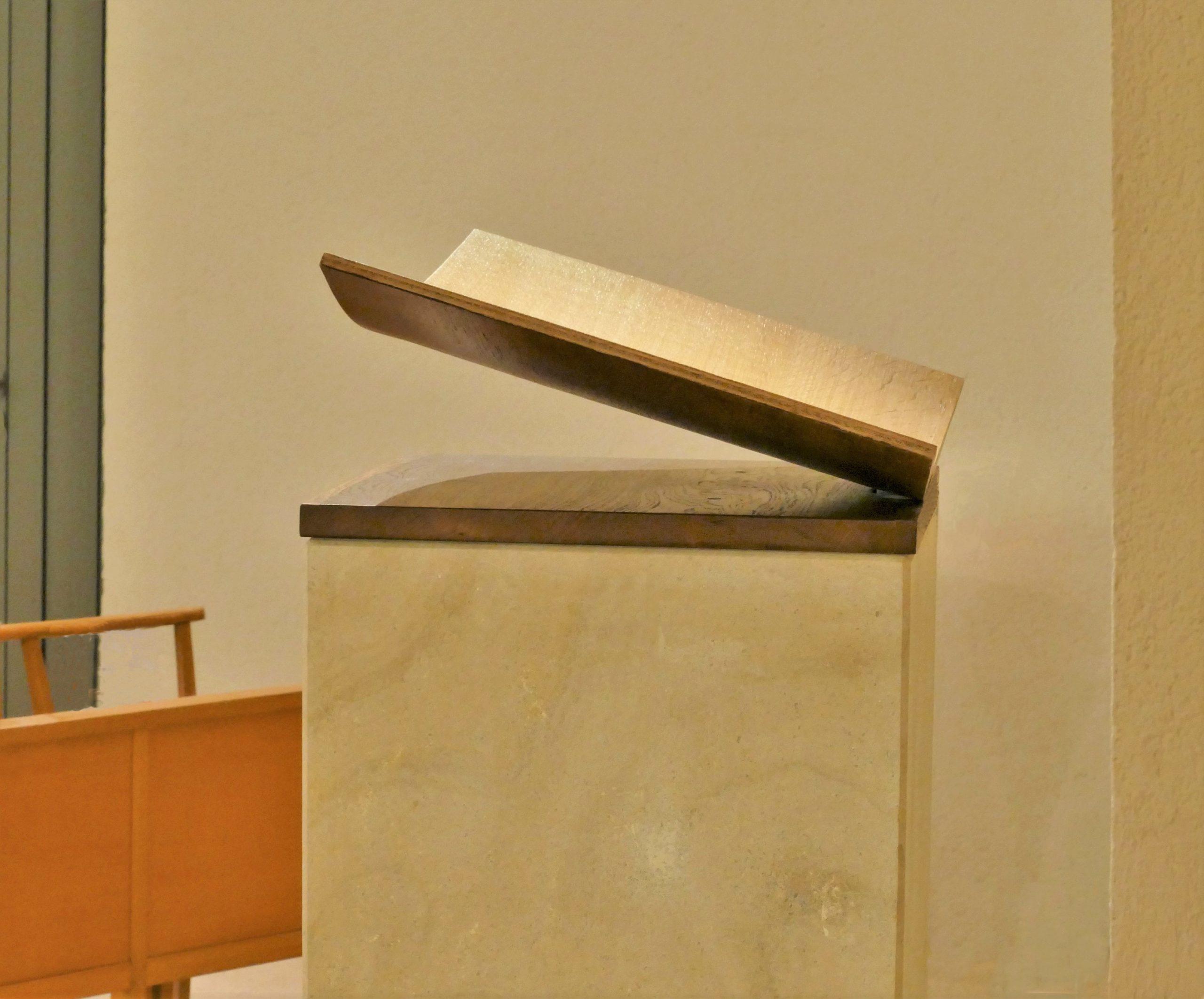 Pupitre Livre ouvert – Eglise Sainte Jeanne d'Arc, Montpellier